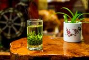 绿茶为什么不能用100℃的水来冲泡?